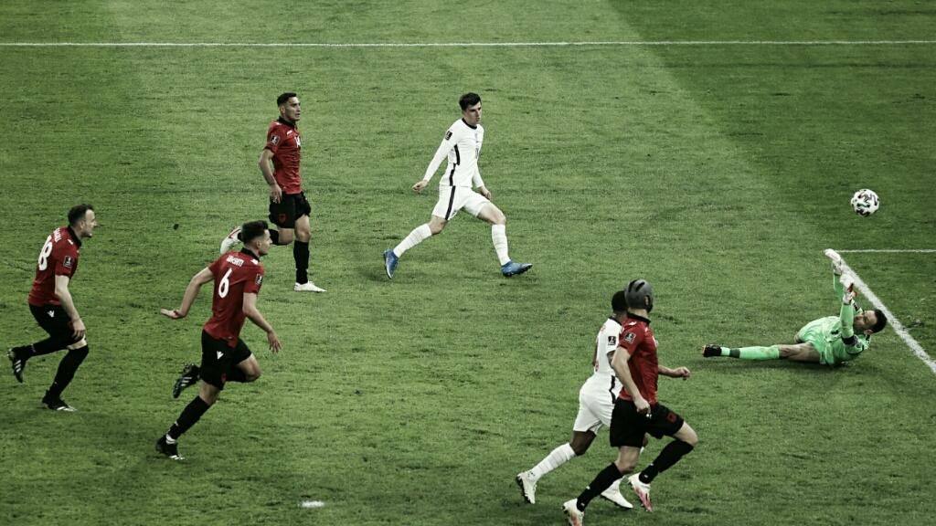 Inglaterra bate Albânia e dispara na liderança do Grupo I das Eliminatórias à Copa