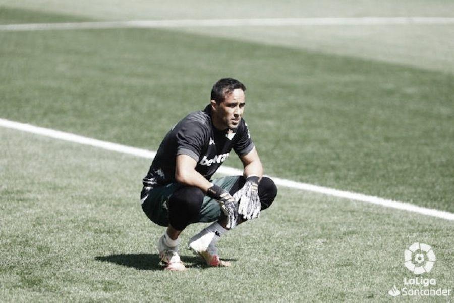"""Claudio Bravo: """"No es fácil sacar el partido adelante con esta desventaja"""""""