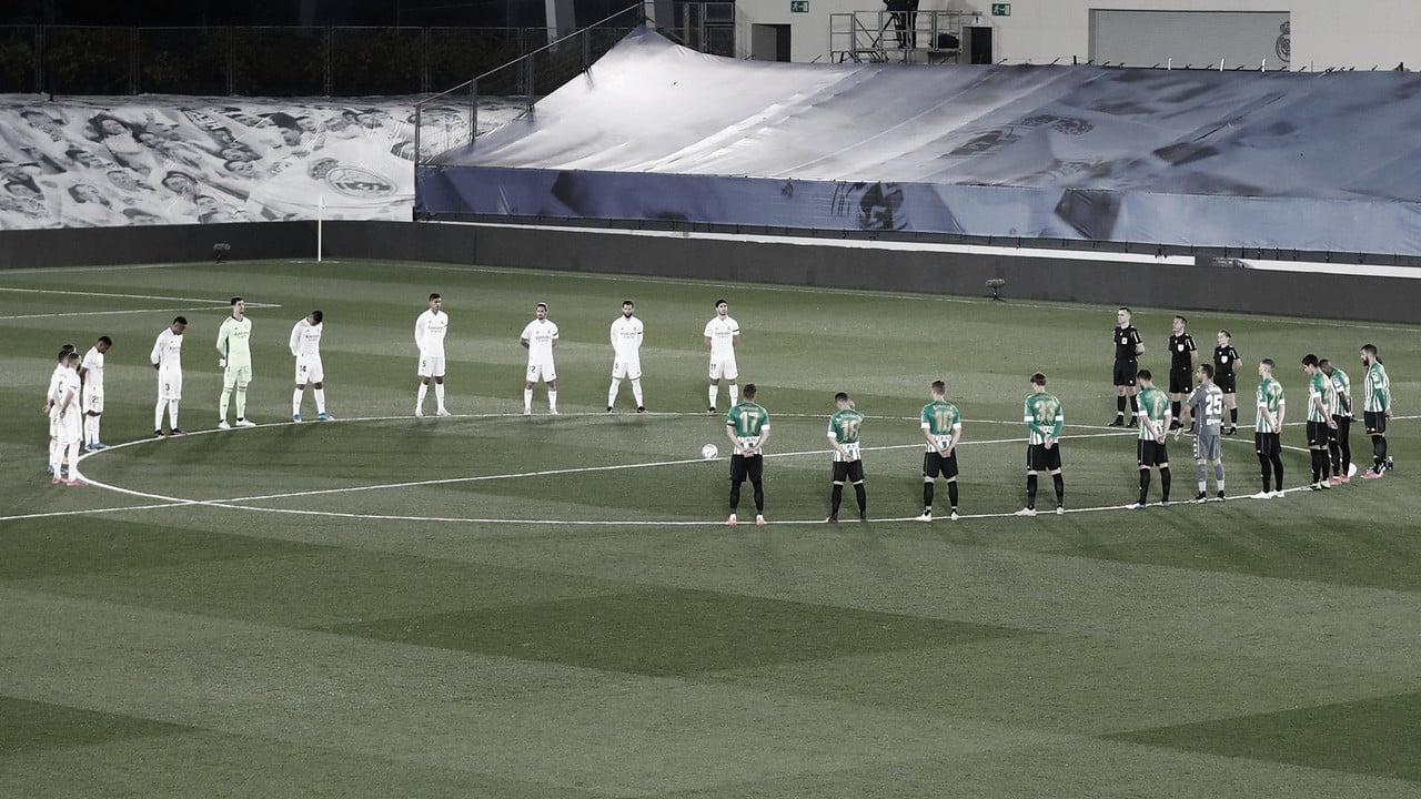 Real Madrid y Betis guardan un minuto de silencio por el padre de Butragueño