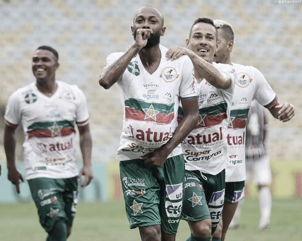 Botafogo encaminha a contratação de Chay, da Portuguesa