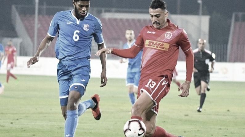 Everton destaca boa fase no Bahrein com camisa do Al-Muharraq