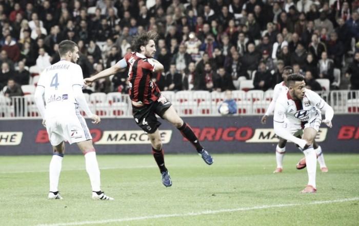 Balotelli perde pênalti, mas Nice vence Lyon dentro de casa e segue na liderança