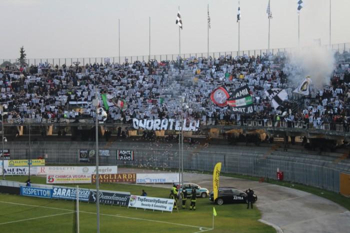 Un Cagliari sprecone e sfortunato perde anche ad Ascoli: 1-2 e vetta ormai lontana