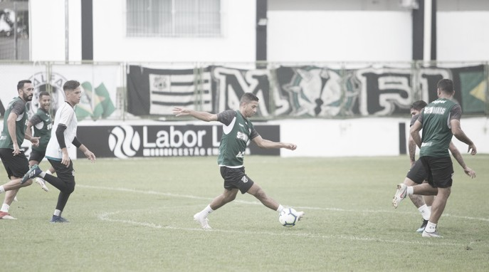 Em jogo onde ambos buscam o G-4, Ceará e Santos duelam no Castelão