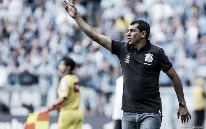 """Carille já pensa no Palmeiras e exalta Cássio: """"Merece Seleção"""""""