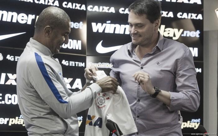Após divergências com presidente, Edu Ferreira não é mais diretor de futebol do Corinthians