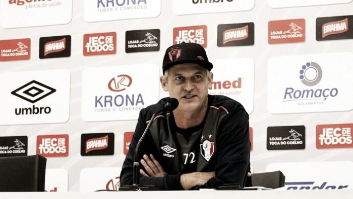 """Lisca critica arbitragem após empate diante do Luverdense: """"Gostaria que errassem menos"""""""