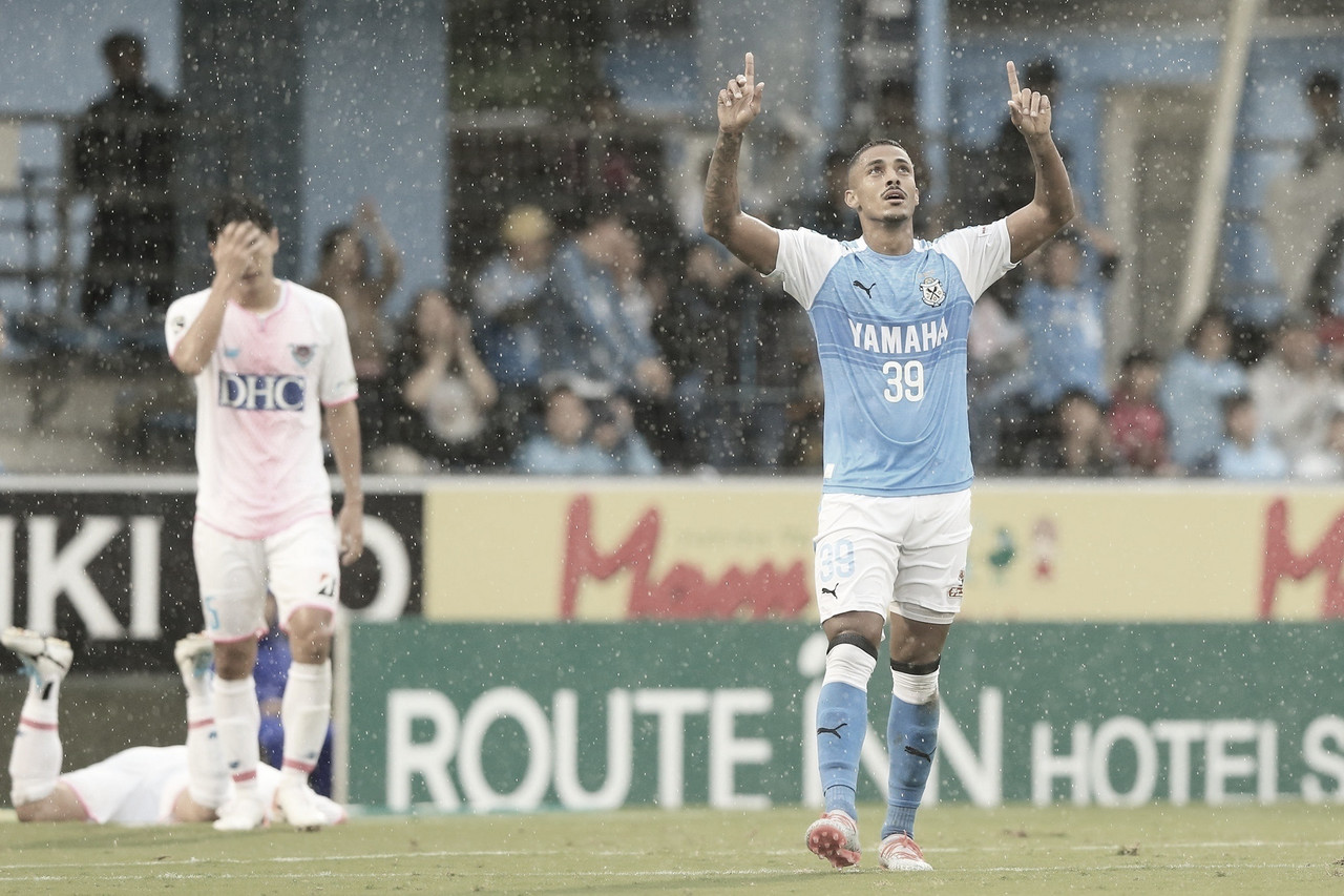 Atacante no Jubilo Iwata/JPN, atacante Lukian cita trabalho intenso para clube buscar acesso
