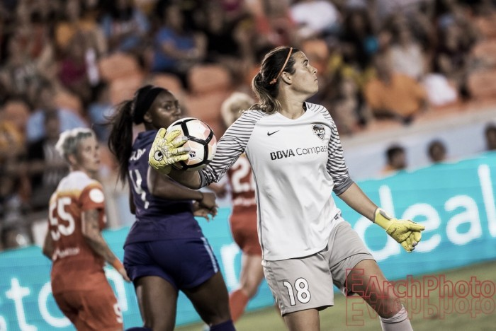 Lydia Williams traded to Seattle Reign FC
