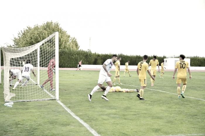 Nuevo empate del FC Jumilla en casa ante un buen Marbella