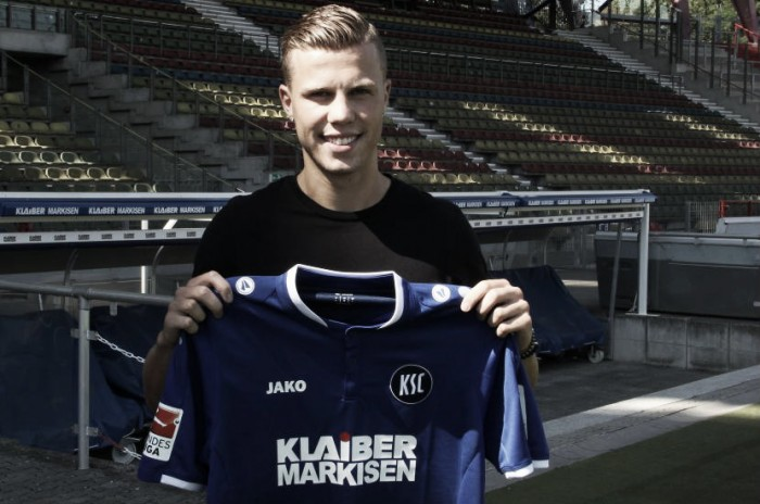 Karlsruhe bring in striker Florian Kamberi on loan