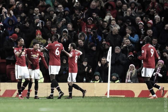 El United recorta distancia con el City, y el Stoke se presenta ante Paul Lambert