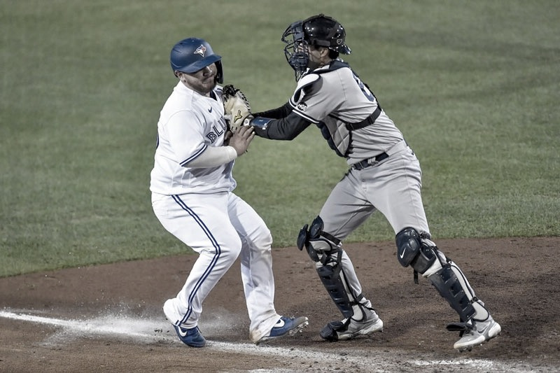Yankees Blow Out Jays to Even Series