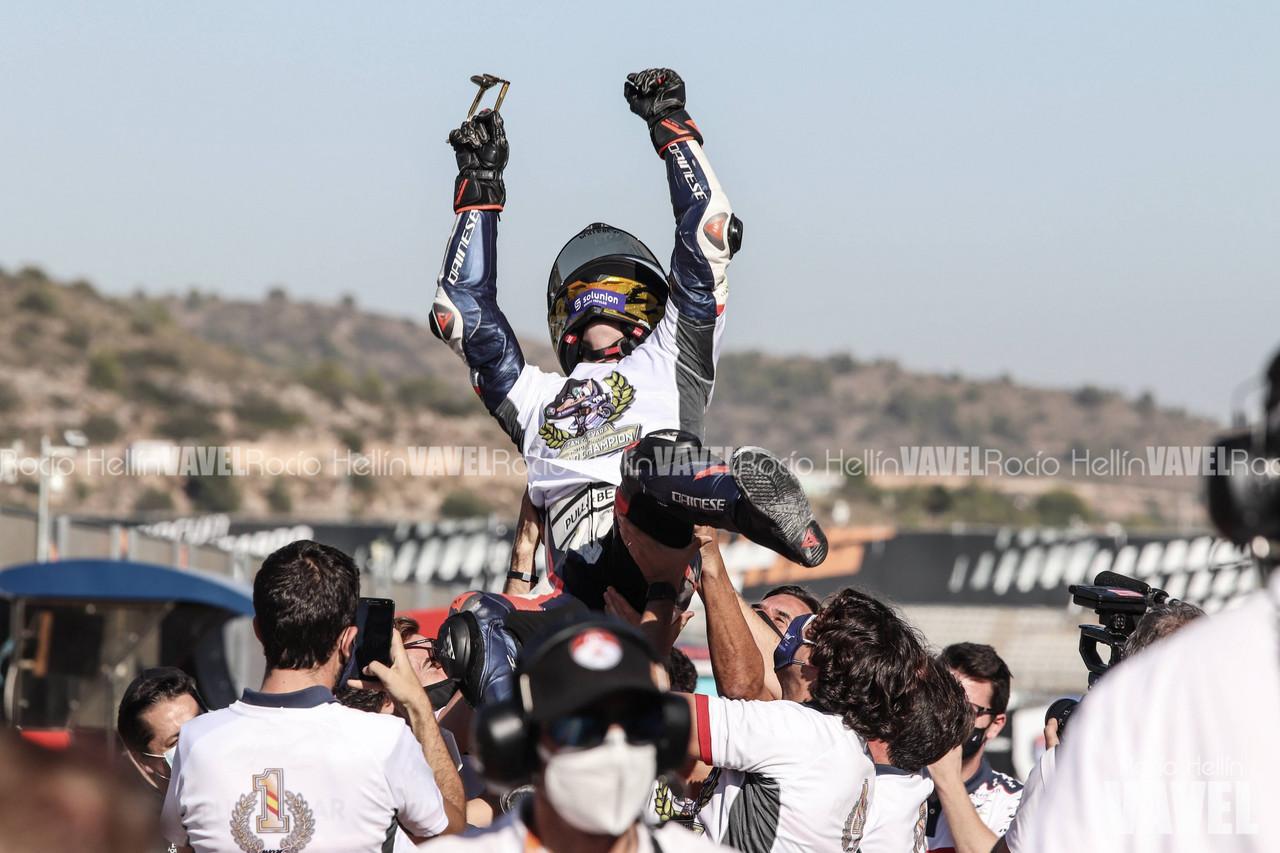 Izan Guevara se corona Campeón del Mundo de Moto3