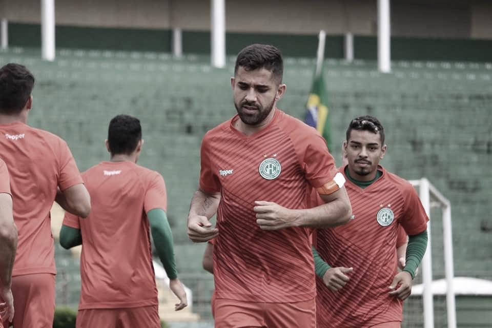 Lucas Abreu deseja boa sequência no Guarani após retorno das competições