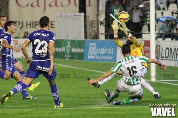 Fotos e imágenes del Betis 1-2 Alavés, 14ª jornada de la Liga Adelante