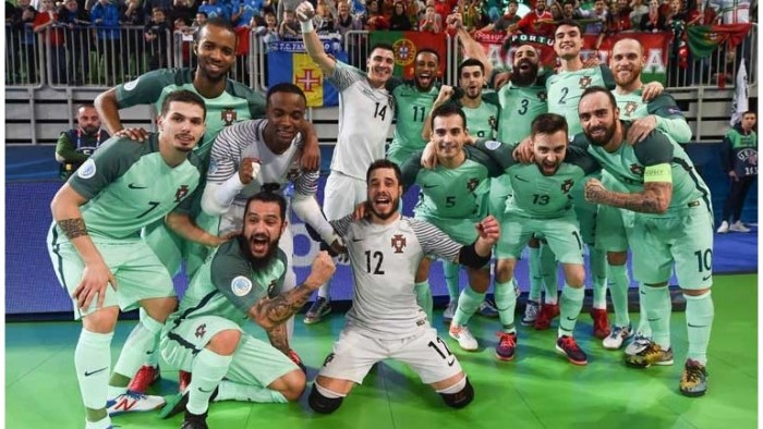 Futsal. Portugal dá a volta e está na final do Europeu