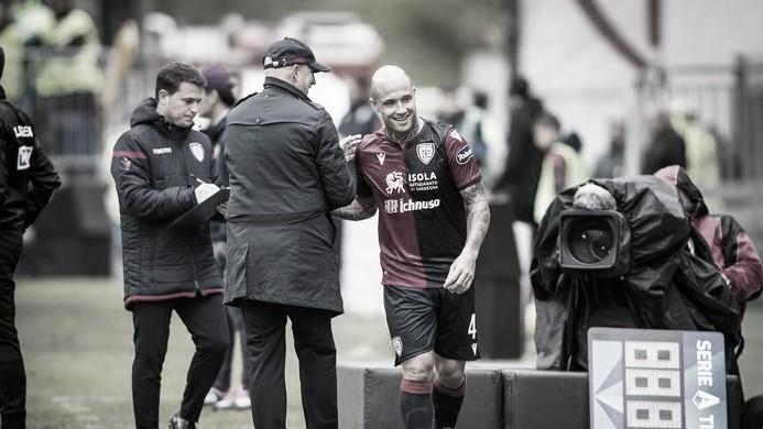 Cagliari pretende estender vínculo com belga Nainggolan, emprestado pela Internazionale