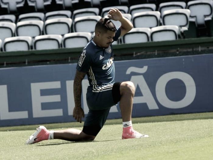 """Carleto promete empenho para salvar Coritiba: """"Vamos dar sangue"""""""