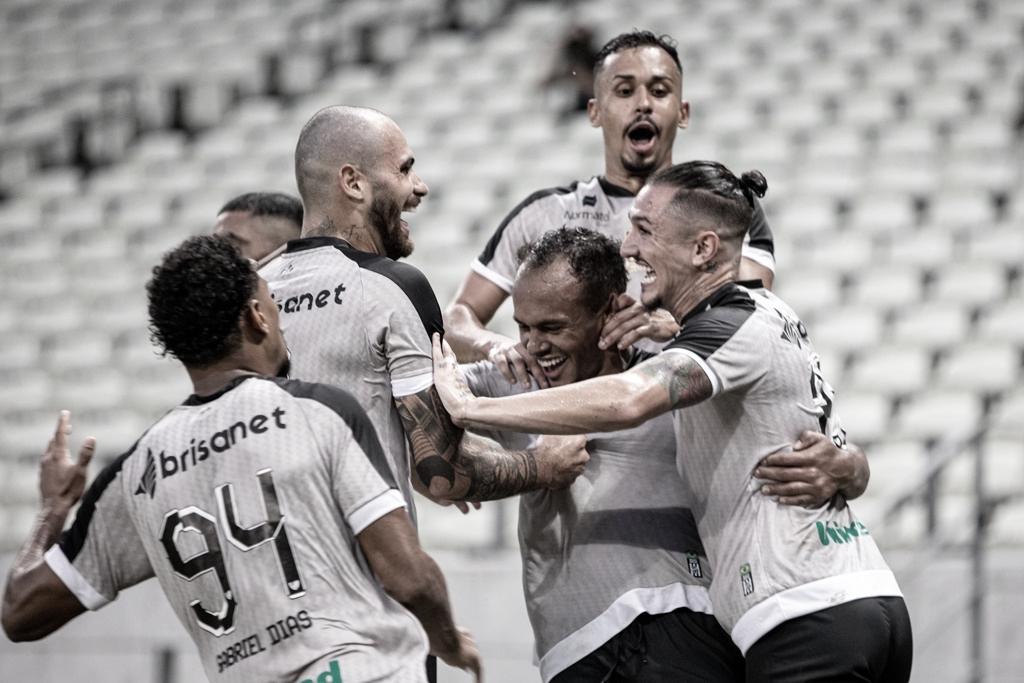Ceará vence Sampaio Corrêa em sete minutos e avança às semifinais do Nordestão
