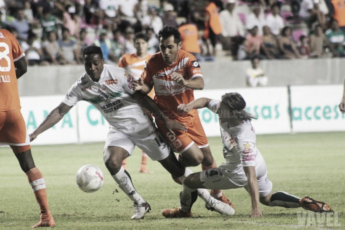 Fotos e imágenes del Zacatepec 0-1 Correcaminos de la fecha 13 en la Liga de Ascenso MX