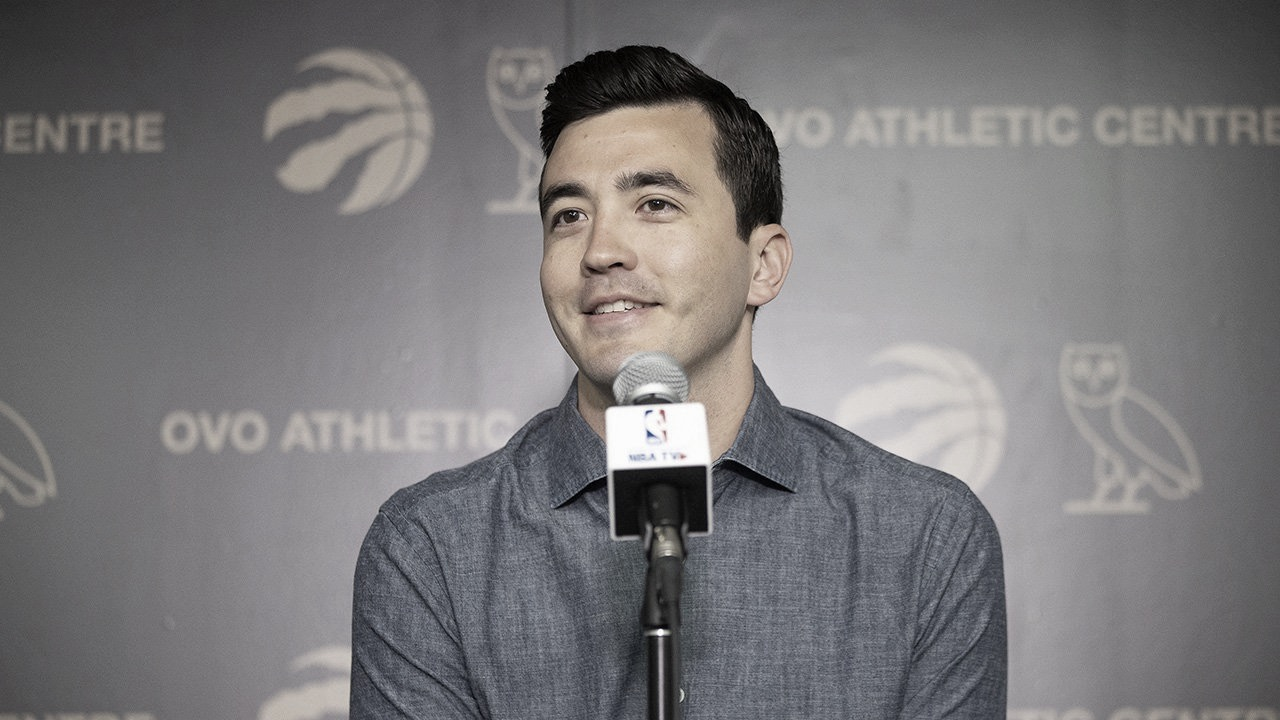 Raptors Re-Sign GM Bobby Webster