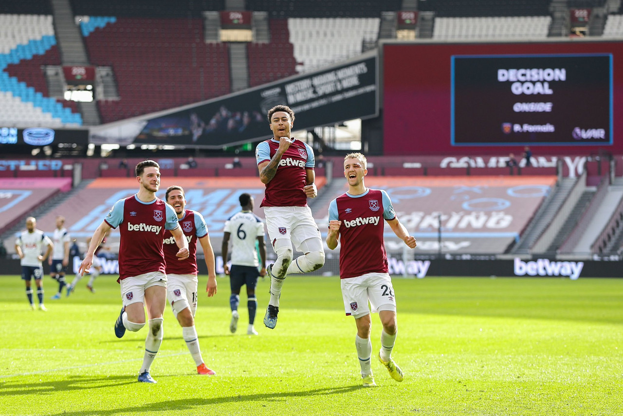 West Ham United 2-1 Tottenham Hotspur: Clock's ticking on Jose Mourinho