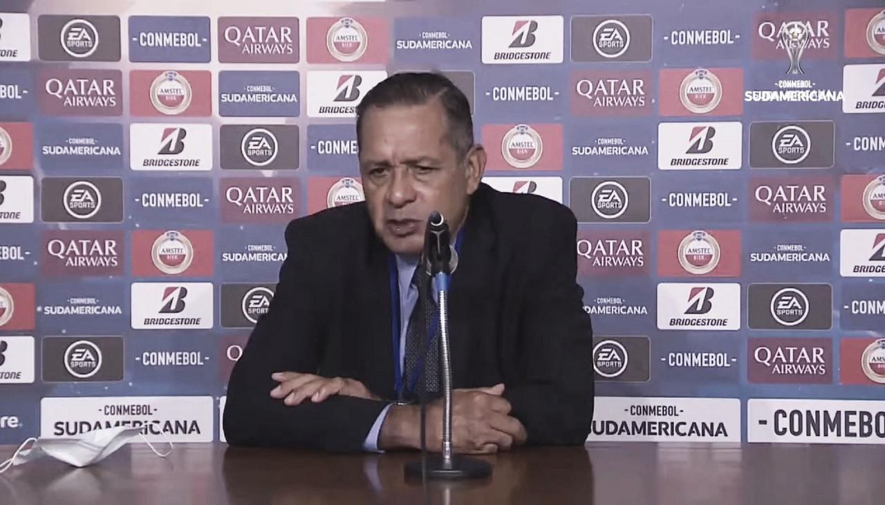 """Pompilio Páez: """"Hay muchas cosas por corregir"""""""