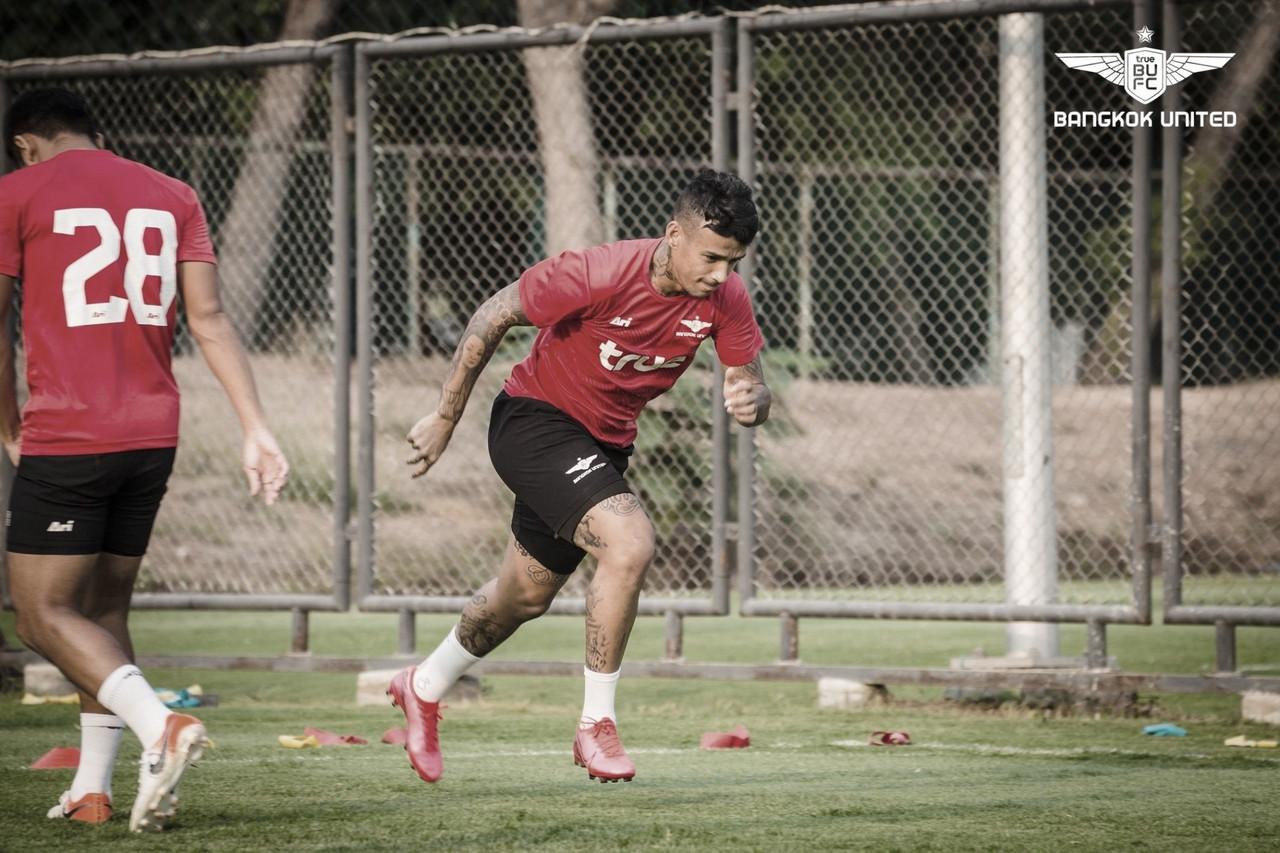 Vander projeta Bangkok United vitorioso no retorno das competições na Tailândia