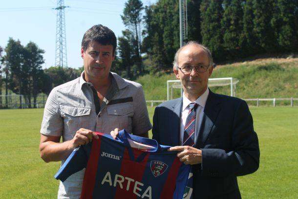Igor Gordobil presentado como nuevo entrenador del Leioa