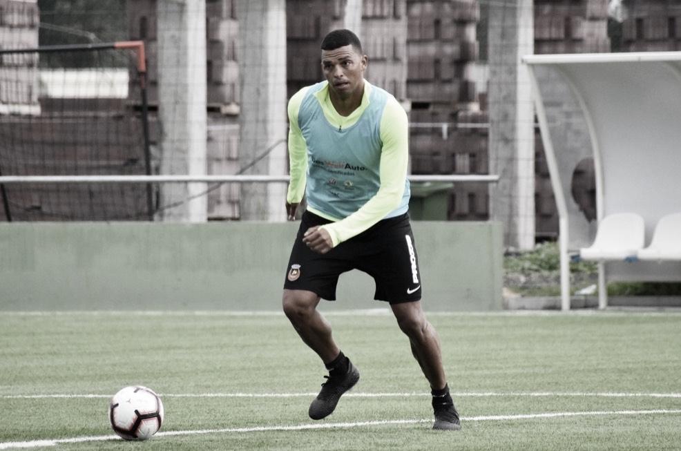 Ex-São Paulo,Aderllanespera evolução doRioAve e se concentra em sequência na temporada