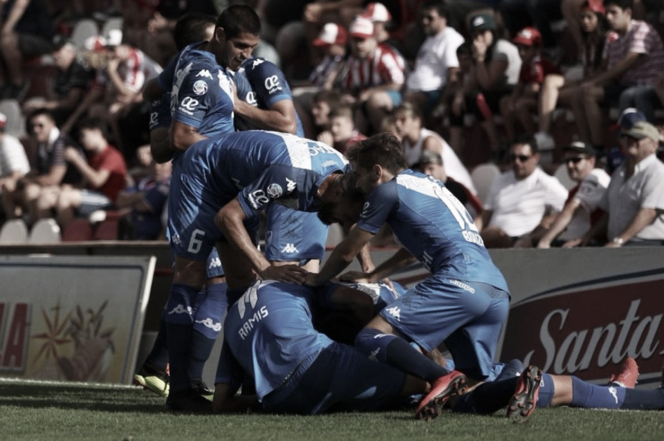 Vélez va en busca de los tres puntos