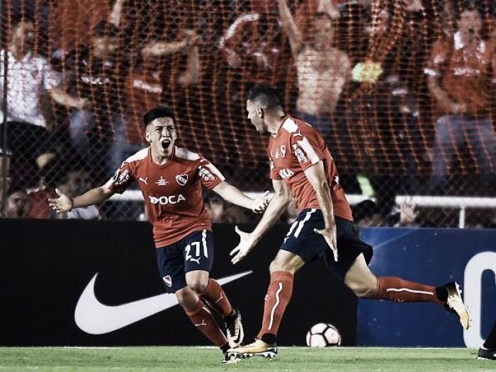 Independiente vira para cima do Flamengo com golaço de Meza e abre vantagem na Sul-Americana