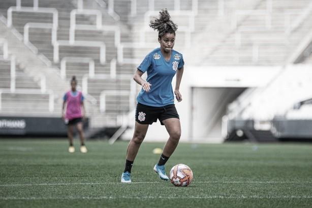 Exclusivo: Ingryd celebra conquistas e acredita que o futebol feminino tende a crescer no país