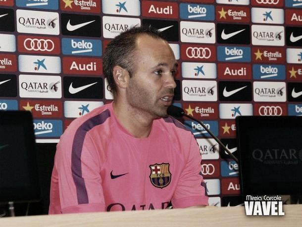 """Iniesta: """"No creo que Messi necesite marcar para sentirse diferente"""""""