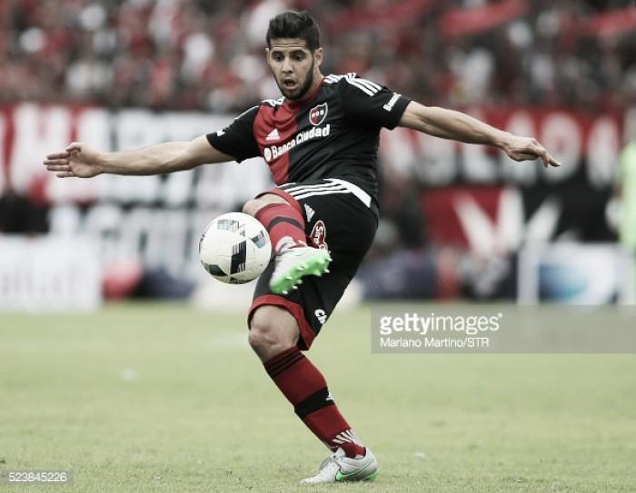 Racing acerta contratação do lateral Emanuel Insúa