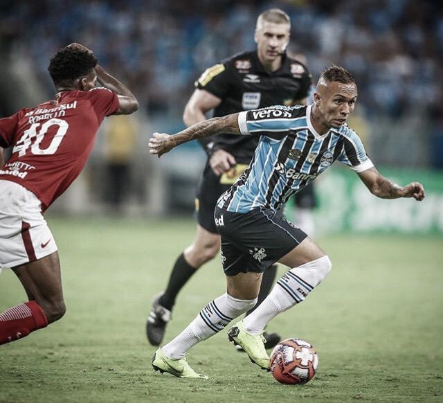 Internacional e Grêmio se enfrentam pelo jogo de ida da final do Gauchão