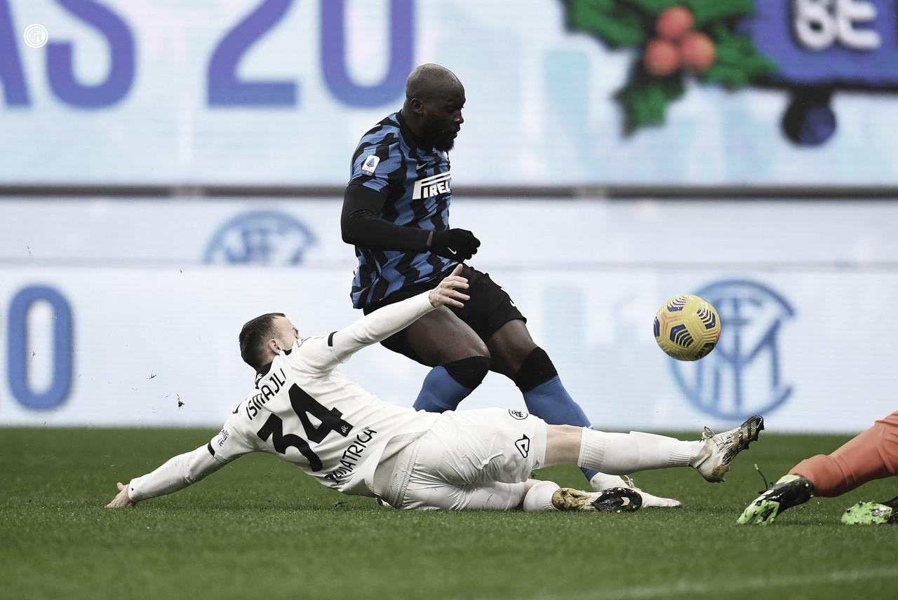 Internazionale vence Spezia e segue busca à liderança da Serie A