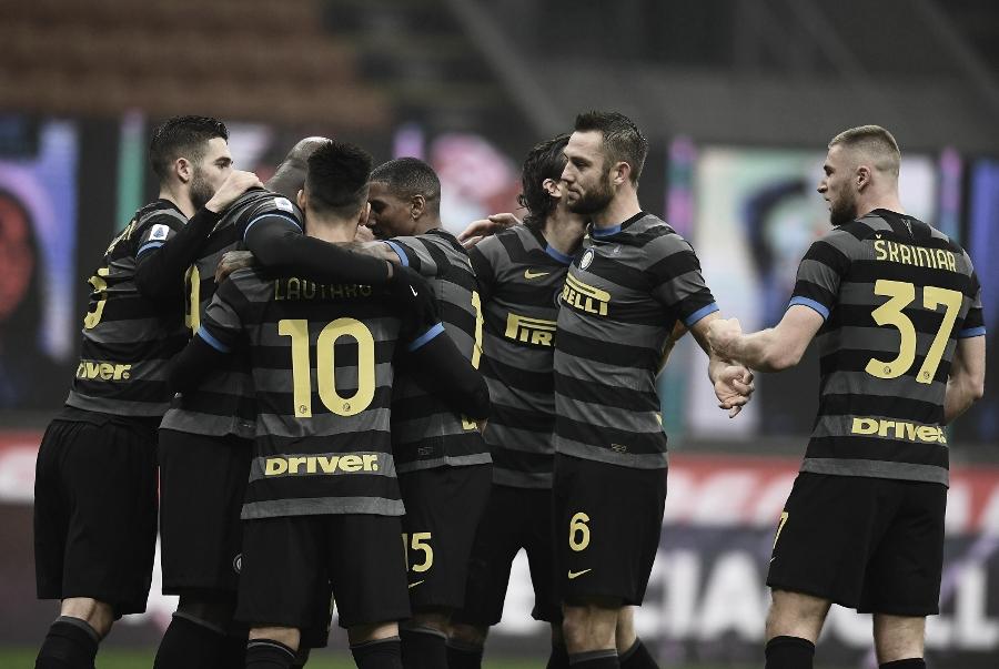 Lukaku converte pênalti, Internazionale vence Napoli e acirra disputa pela liderança do Calcio