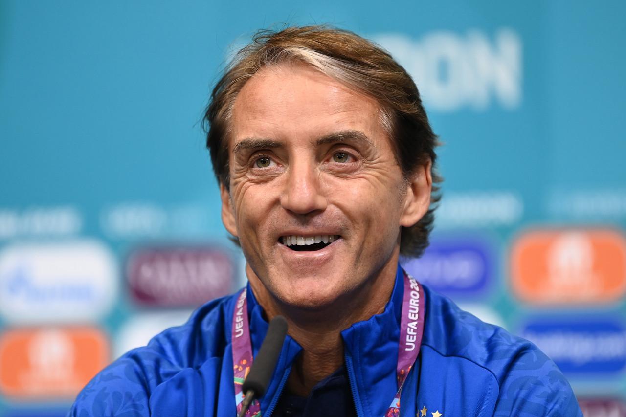 "Mancini: ""¿Favoritismo? Es un 50/50"""