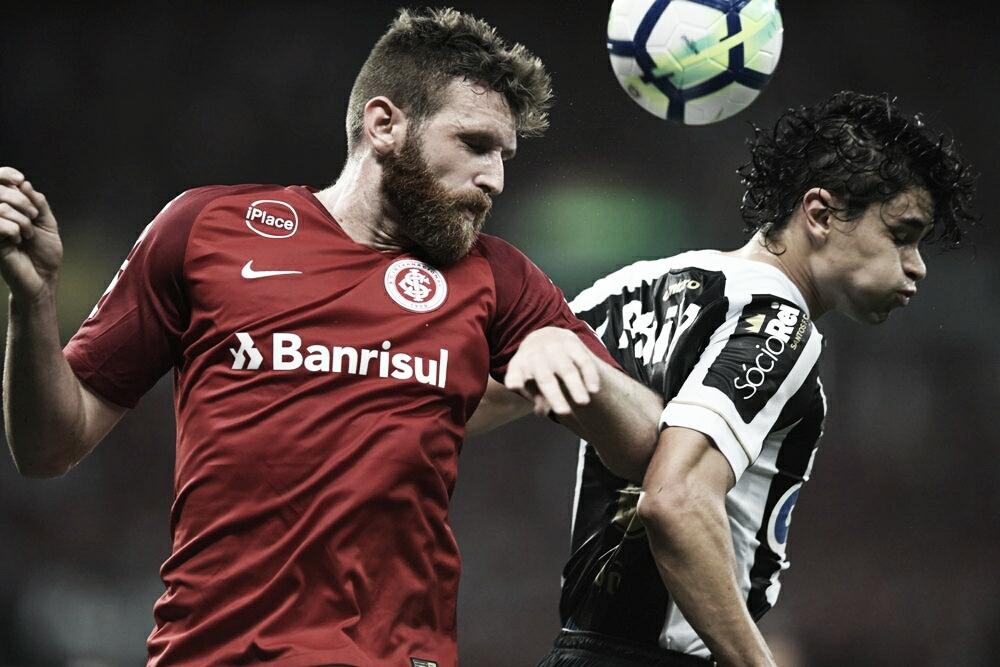 Após empate com o Santos, jogadores do Inter lamentam falhas no setor defensivo