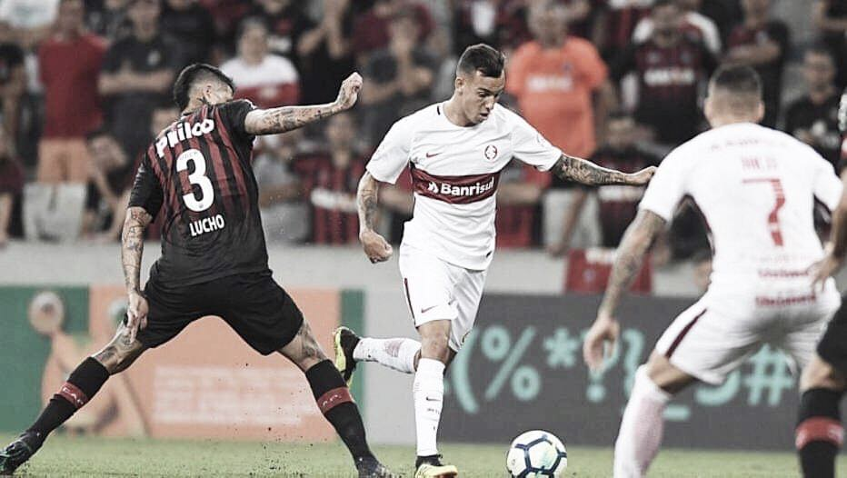 Internacional joga contra alternativo Atlético-PR para manter sonho do título
