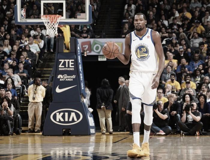 Warriors passam pelo Heat e chegam a quatro vitórias consecutivas