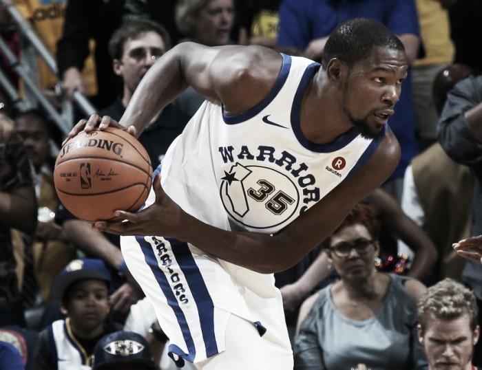 Warriors começam mal, mas conseguem virada contra Pelicans e vencem primeira na temporada