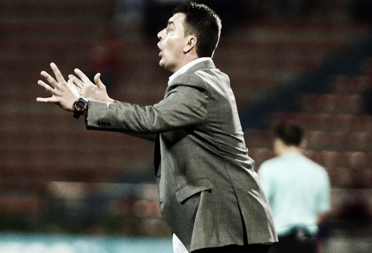 """Ismael Rescalvo: """"Queremos que los hinchas siempre animen al equipo"""""""