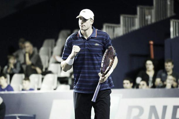 Atp Parigi-Bercy, Isner è perfetto ed elimina Federer