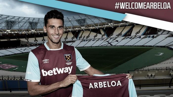 Sem clube, Arbeloa volta à Inglaterra e assina com West Ham em contrato de um ano