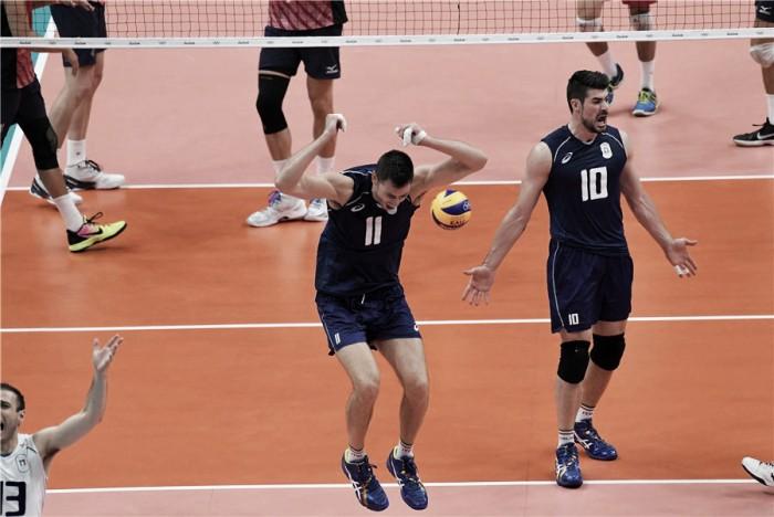 Itália bate Estados Unidos e aguarda Brasil ou Rússia na final do vôlei masculino