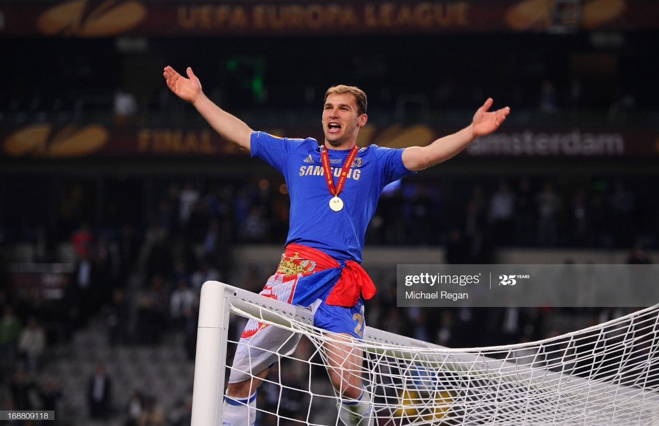 Branislav Ivanovic celebrates winning the UEFA Europa League with Chelsea in 2013 | Photo: Getty/ Michael Regan