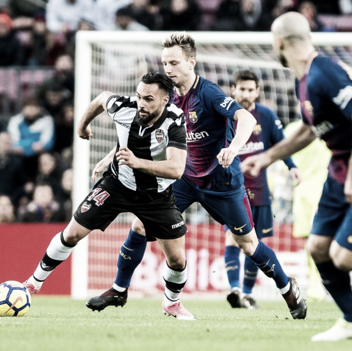 Leo Messi y el Barcelona vencen a un combativo Levante.